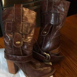 Chloe' brown boots